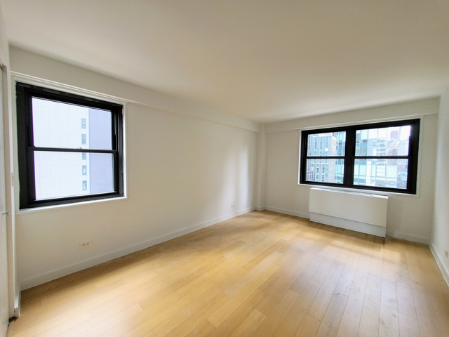 2 Bedrooms, Murray Hill Rental in NYC for $4,000 - Photo 1