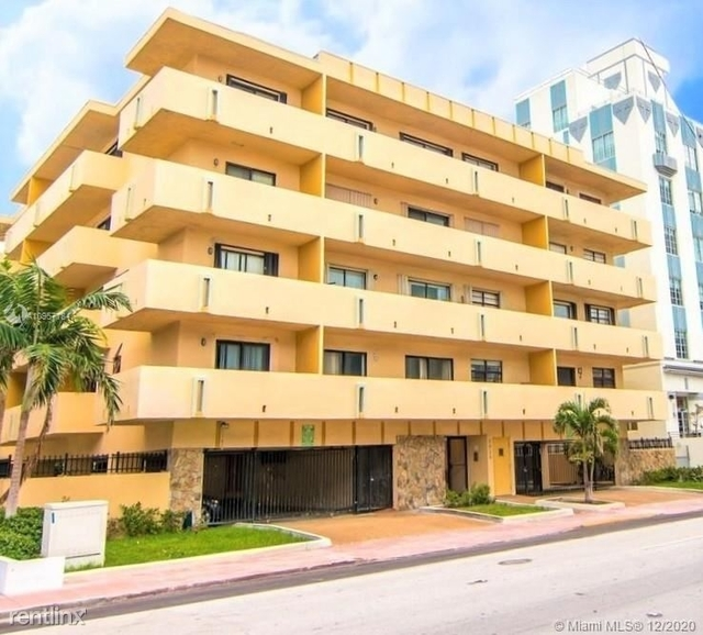 2 Bedrooms, Oceanfront Rental in Miami, FL for $2,200 - Photo 1
