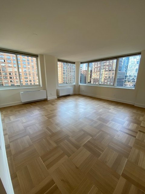 2 Bedrooms, Lincoln Square Rental in NYC for $5,267 - Photo 1