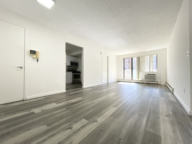 2 Bedrooms, Rego Park Rental in NYC for $1,911 - Photo 1