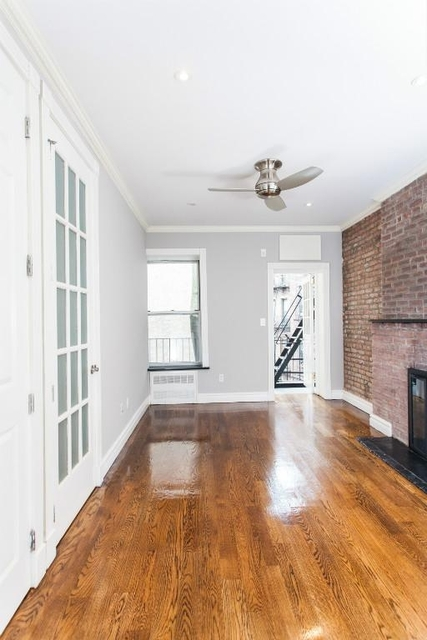 4 Bedrooms, East Village Rental in NYC for $4,990 - Photo 1