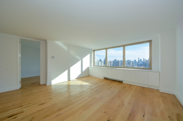 4 Bedrooms, Yorkville Rental in NYC for $12,500 - Photo 1