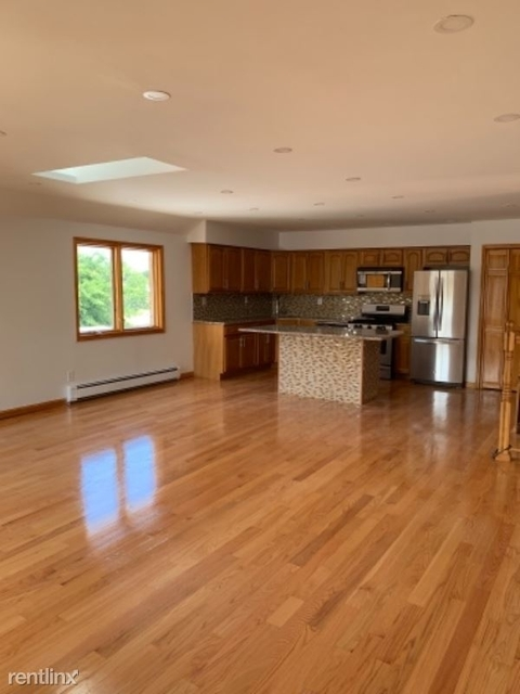 3 Bedrooms, Little Neck Rental in Long Island, NY for $2,990 - Photo 1