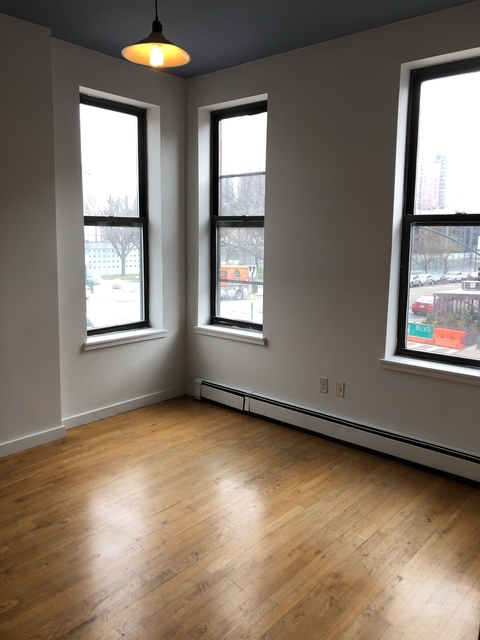 2 Bedrooms, Hunters Point Rental in NYC for $2,371 - Photo 1