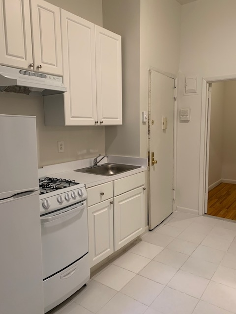 1 Bedroom, West Village Rental in NYC for $2,195 - Photo 1