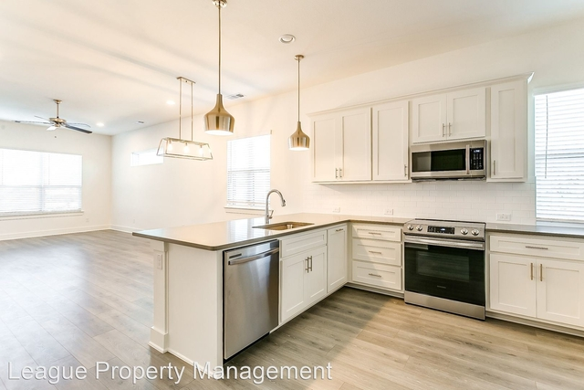 3 Bedrooms, Paschal Rental in Dallas for $2,500 - Photo 1