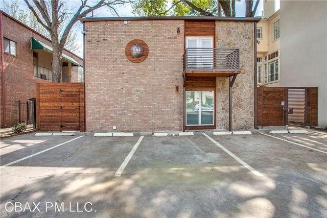 2 Bedrooms, North Oaklawn Rental in Dallas for $2,300 - Photo 1