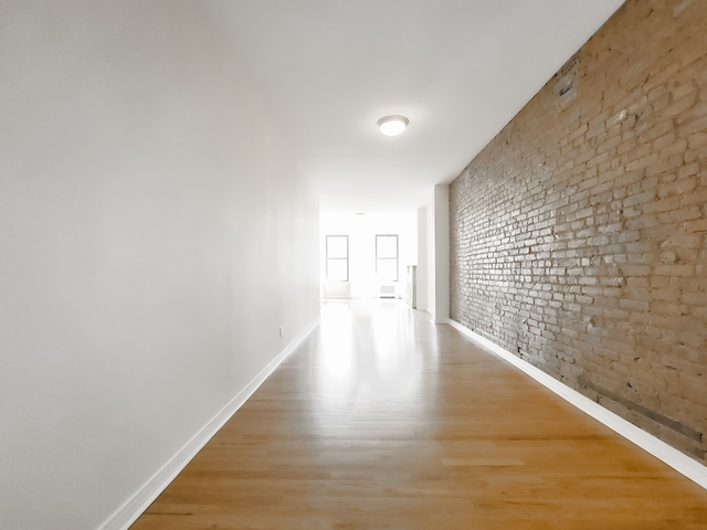 2 Bedrooms, East Village Rental in NYC for $7,240 - Photo 1
