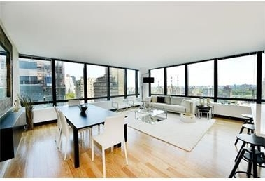 2 Bedrooms, Upper East Side Rental in NYC for $7,300 - Photo 1