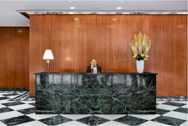 2 Bedrooms, Upper East Side Rental in NYC for $6,100 - Photo 1