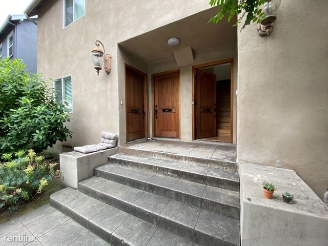 2 Bedrooms, Hollywood United Rental in Los Angeles, CA for $2,600 - Photo 1