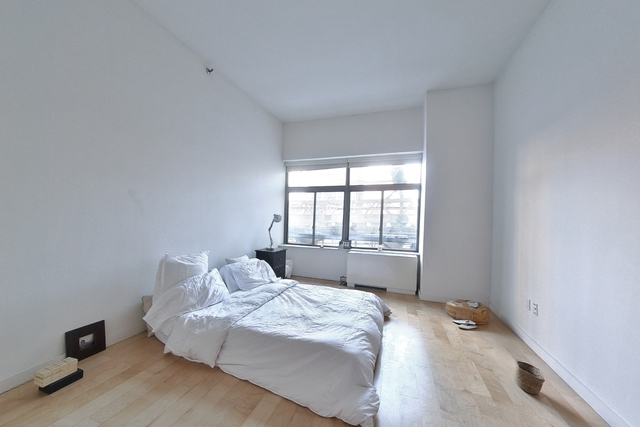 2 Bedrooms, Financial District Rental in NYC for $3,085 - Photo 1