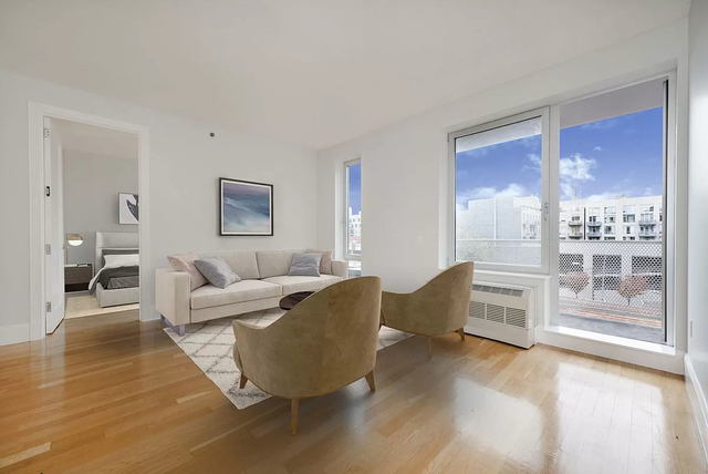 2 Bedrooms, Williamsburg Rental in NYC for $4,390 - Photo 1