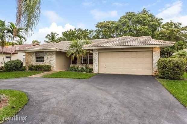4 Bedrooms, Whispering Woods Rental in Miami, FL for $3,270 - Photo 1