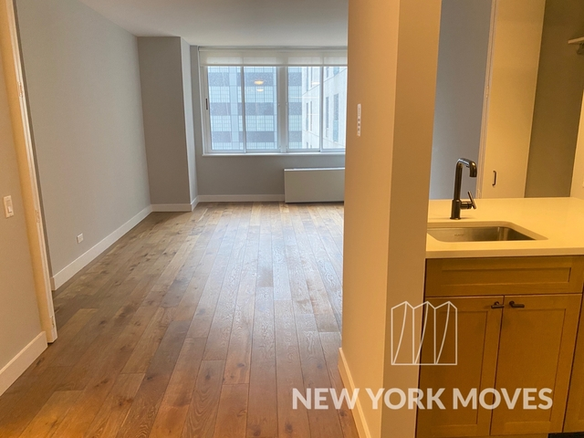 Studio, Hell's Kitchen Rental in NYC for $1,905 - Photo 1
