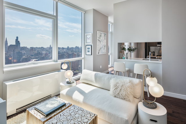 2 Bedrooms, Chelsea Rental in NYC for $4,635 - Photo 1
