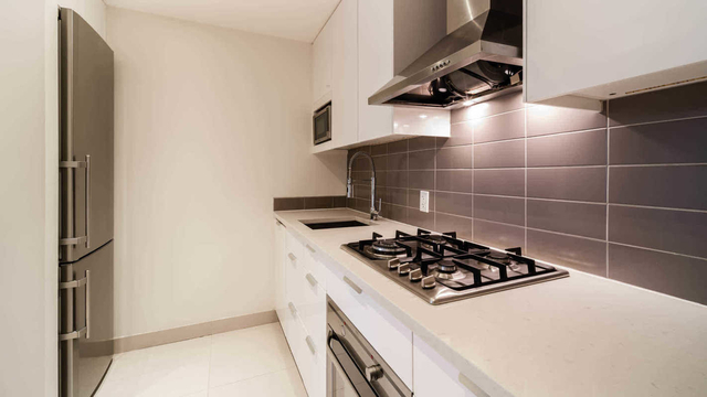Studio, Hell's Kitchen Rental in NYC for $2,883 - Photo 1