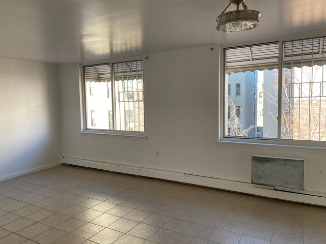 2 Bedrooms, West Farms Rental in NYC for $2,200 - Photo 1