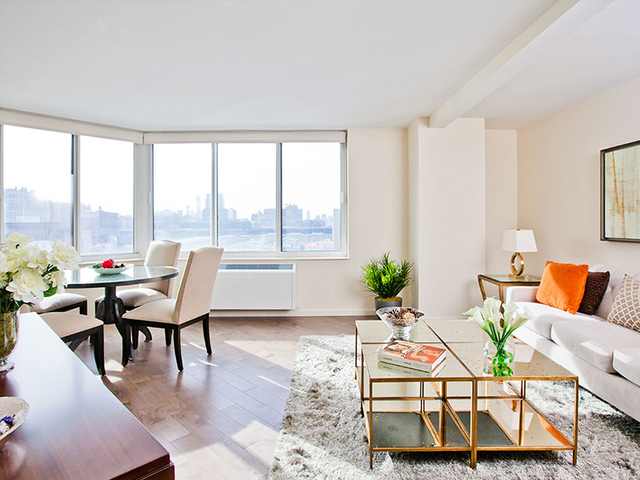 2 Bedrooms, Hell's Kitchen Rental in NYC for $3,266 - Photo 1