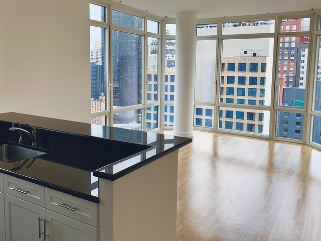 2 Bedrooms, Garment District Rental in NYC for $4,536 - Photo 1