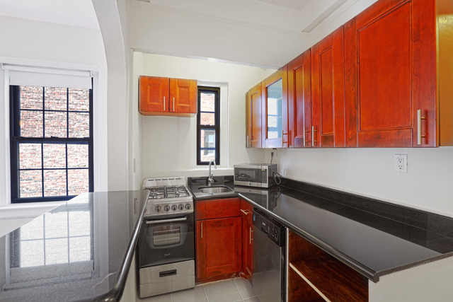 1 Bedroom, East Village Rental in NYC for $3,200 - Photo 1