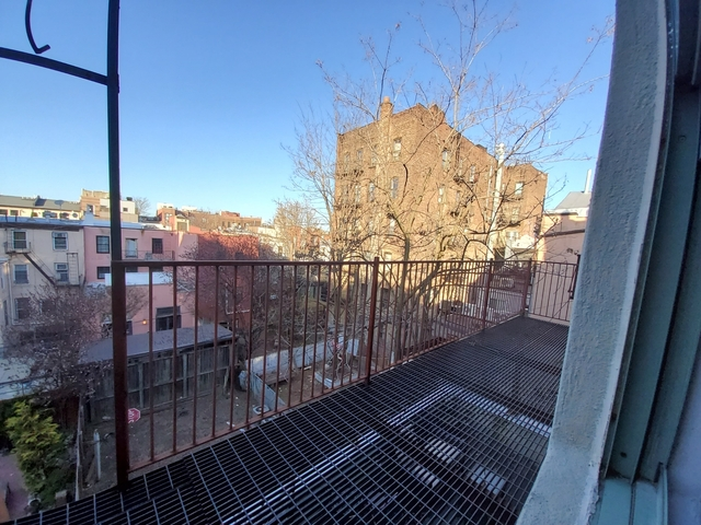 4 Bedrooms, Williamsburg Rental in NYC for $3,850 - Photo 1