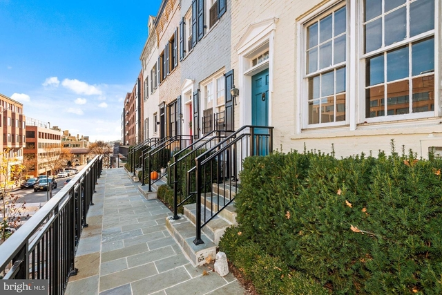 2 Bedrooms, East Village Rental in Washington, DC for $5,700 - Photo 1