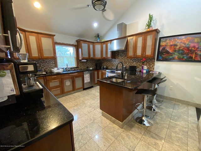 3 Bedrooms, West Long Branch Rental in North Jersey Shore, NJ for $3,000 - Photo 1