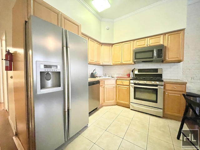3 Bedrooms, Turtle Bay Rental in NYC for $3,050 - Photo 1