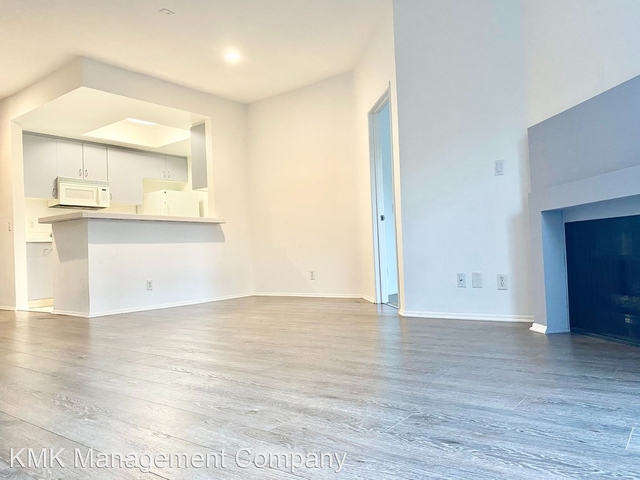 2 Bedrooms, Central Hollywood Rental in Los Angeles, CA for $2,100 - Photo 1