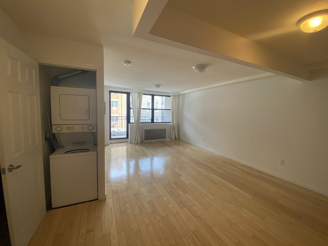 1 Bedroom, Hunters Point Rental in NYC for $2,031 - Photo 1