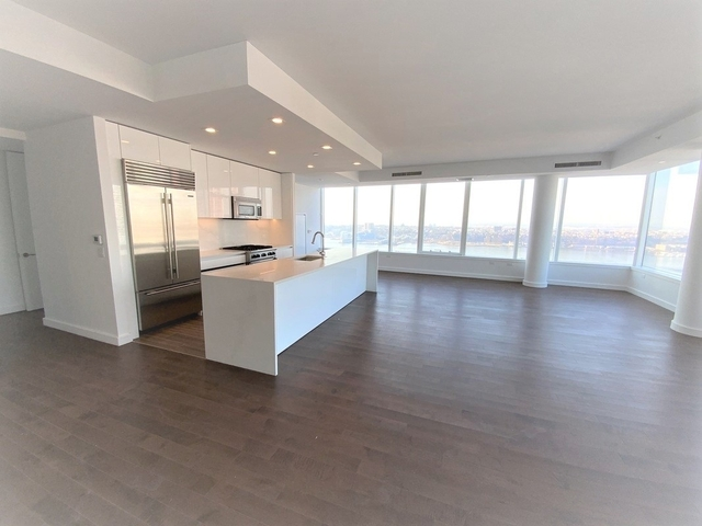 3 Bedrooms, Hell's Kitchen Rental in NYC for $9,563 - Photo 1