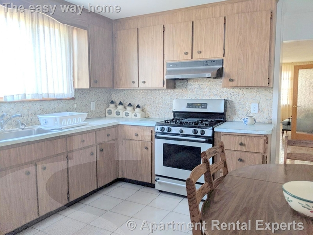 3 Bedrooms, East Somerville Rental in Boston, MA for $3,000 - Photo 1