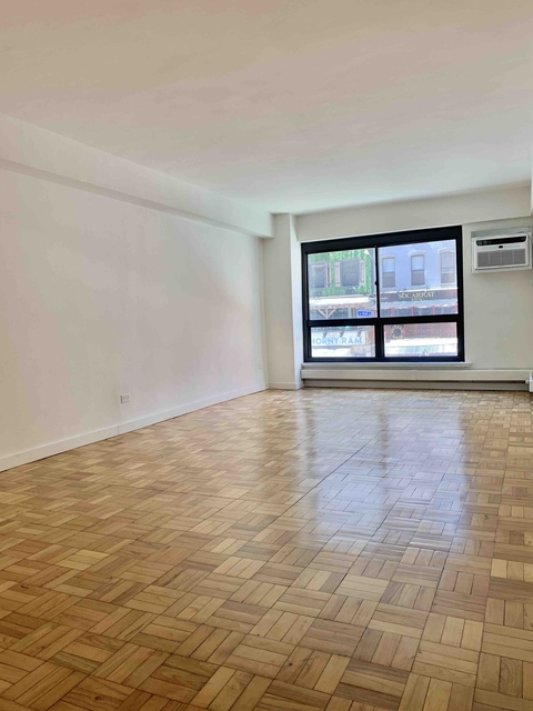 3 Bedrooms, Hell's Kitchen Rental in NYC for $4,895 - Photo 1