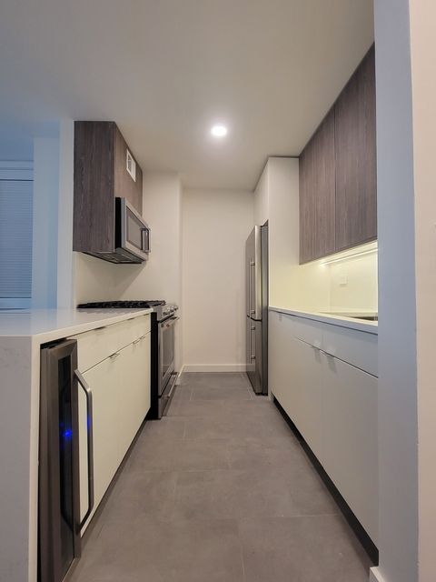 Studio, Hell's Kitchen Rental in NYC for $2,276 - Photo 1