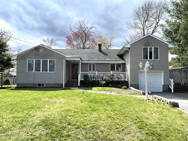 4 Bedrooms, Oakhurst Rental in North Jersey Shore, NJ for $2,700 - Photo 1