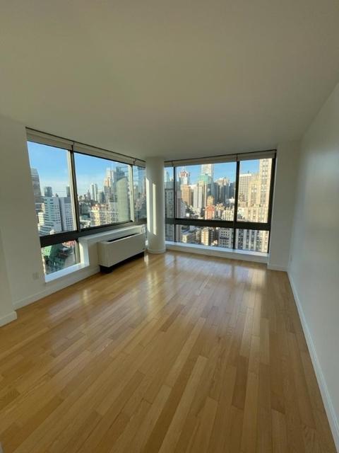 2 Bedrooms, Koreatown Rental in NYC for $4,800 - Photo 1