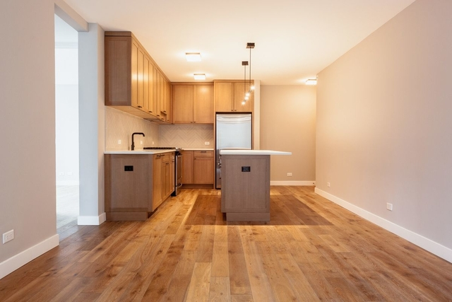 3 Bedrooms, Hell's Kitchen Rental in NYC for $5,404 - Photo 1
