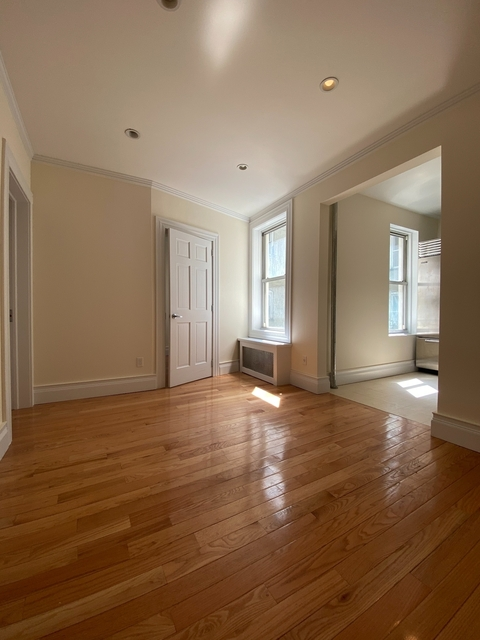2 Bedrooms, Hell's Kitchen Rental in NYC for $2,940 - Photo 1