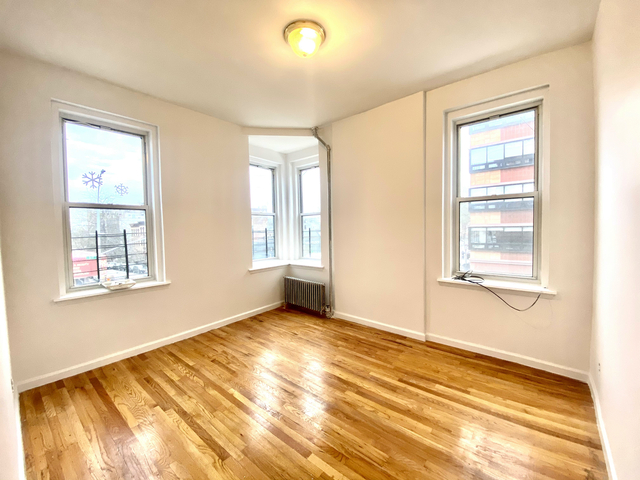 3 Bedrooms, Midtown East Rental in NYC for $2,750 - Photo 1