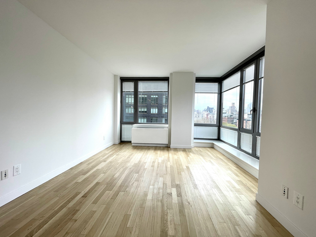 3 Bedrooms, Lower East Side Rental in NYC for $6,832 - Photo 1