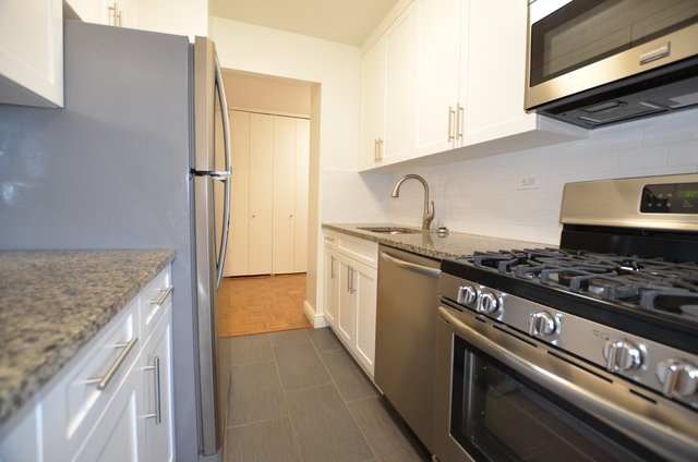 2 Bedrooms, Yorkville Rental in NYC for $4,638 - Photo 1