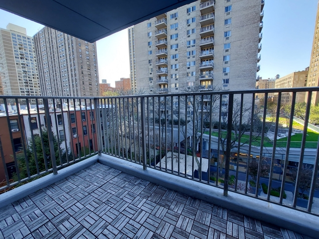 3 Bedrooms, Upper West Side Rental in NYC for $4,880 - Photo 1