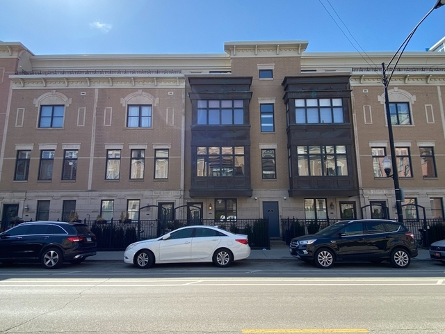 3 Bedrooms, Prairie District Rental in Chicago, IL for $4,300 - Photo 1