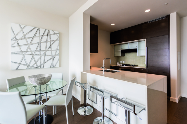 2 Bedrooms, Chelsea Rental in NYC for $6,120 - Photo 1