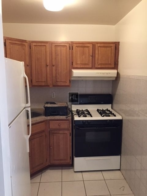 3 Bedrooms, Middle Village Rental in NYC for $2,500 - Photo 1