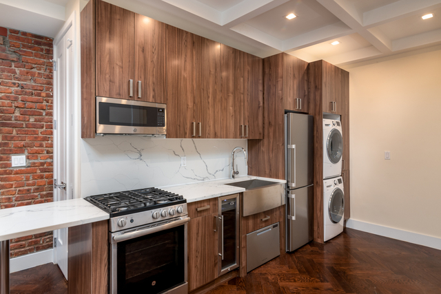 2 Bedrooms, Crown Heights Rental in NYC for $2,299 - Photo 1