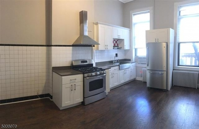 2 Bedrooms, Hudson Rental in NYC for $2,475 - Photo 1