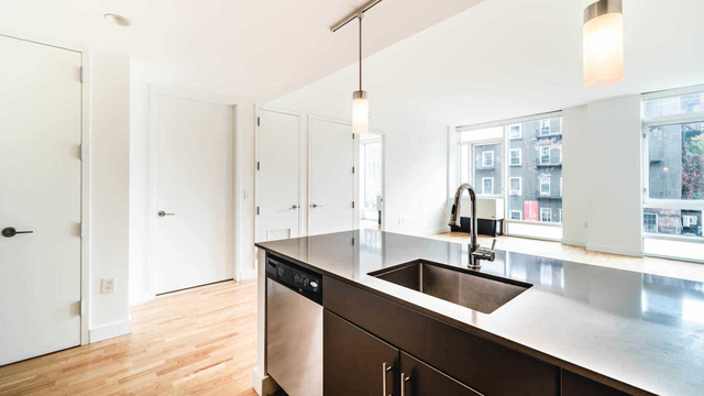3 Bedrooms, Chelsea Rental in NYC for $8,331 - Photo 1