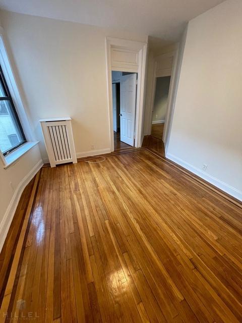 2 Bedrooms, Astoria Rental in NYC for $2,195 - Photo 1